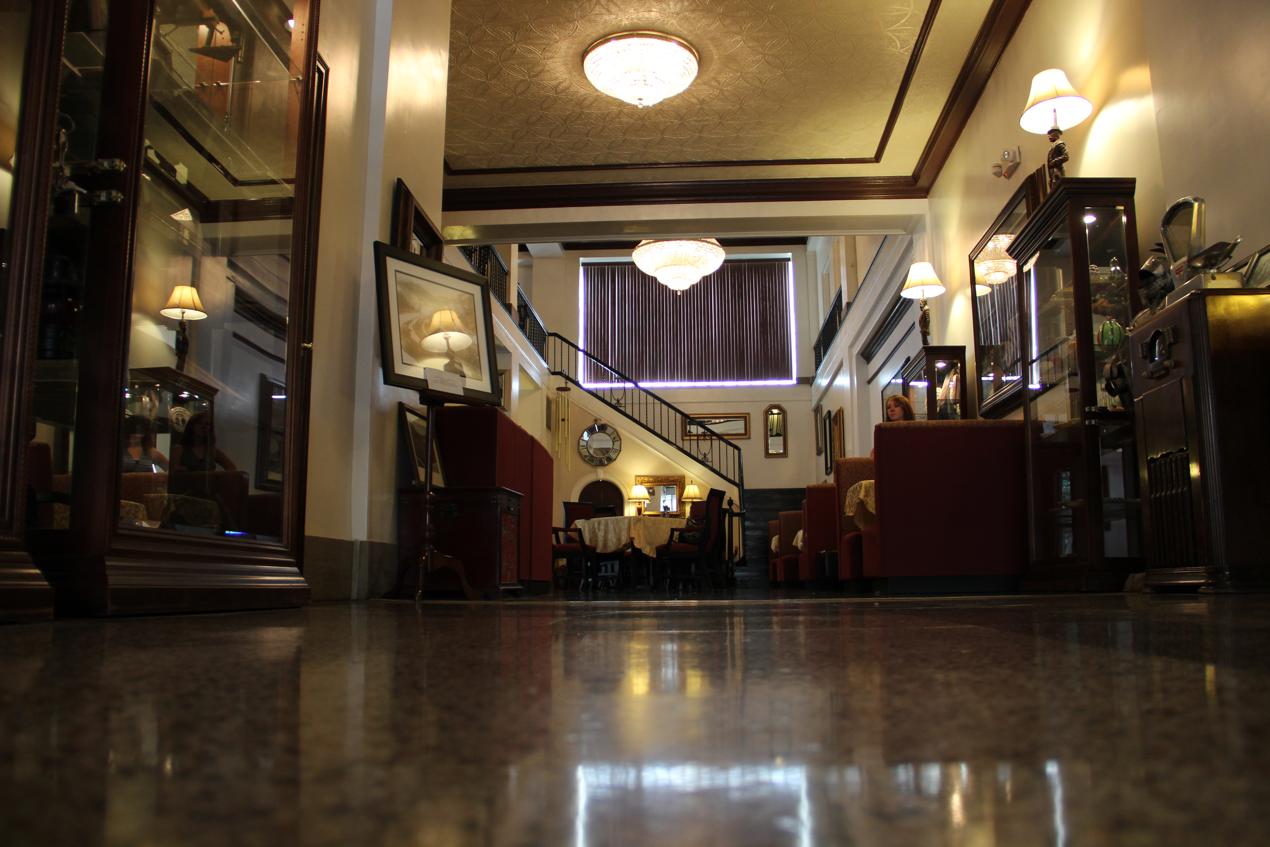 View of the entrance into the Historic Mountaineer Hotel