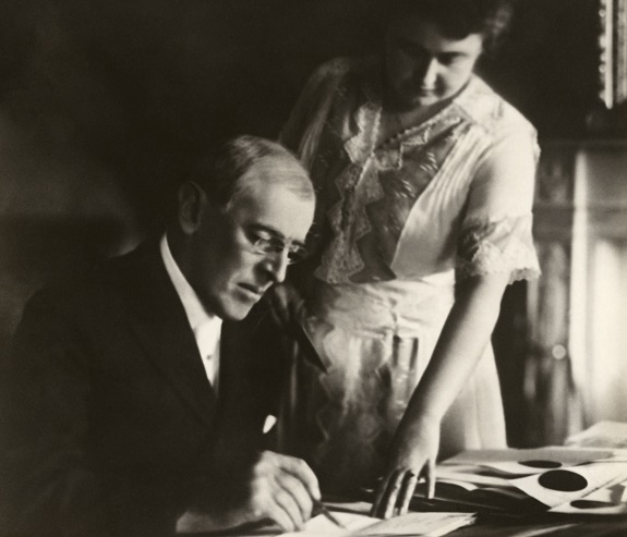 Photo: Edith Bolling Wilson and President Woodrow Wilson