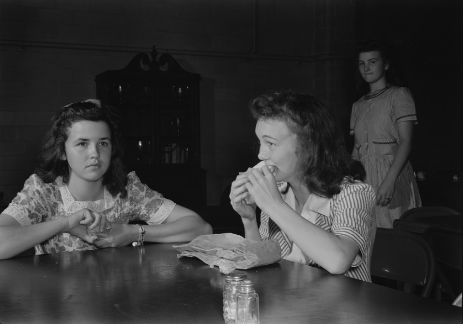 Students eating lunch at Randolph Henry High School in Virginia, June 1943.